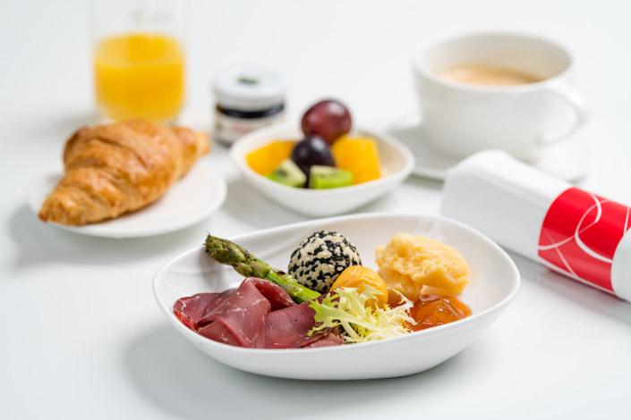 Gourmet Menu - Cold Beef Breakfast served aboard Czech Airlines flights